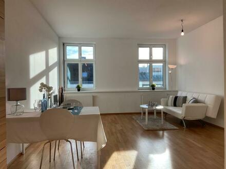Zentrale Zweizimmer-Wohnung in kultiviertem Wohn- und Geschäftshaus!