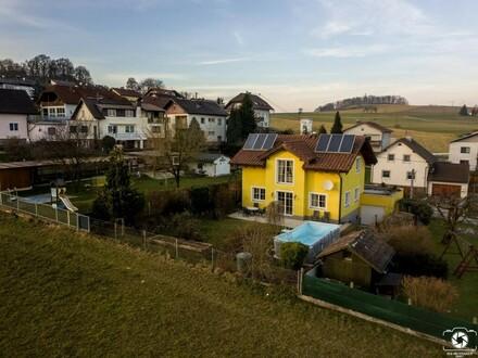 Wohnhaus in sonniger Aussichtslage am Siedlungsrand in Luftenberg