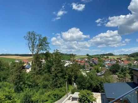 """""""Residenz Leitnerberg"""": Großzügige Neubau-Wohnung in naturnaher Lage. Mit Terrasse, Gartenanteil und Doppelgarage. (provisionsfrei)"""