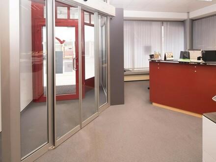 Großzügiges Büro/Geschäftshaus oder Anlageimmobilie im Zentrum von Perg