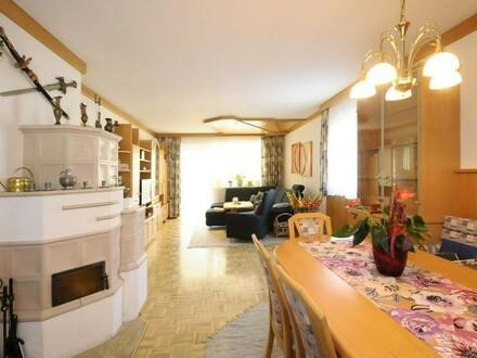 Möblierte Wohnung mit Loggia und Garage