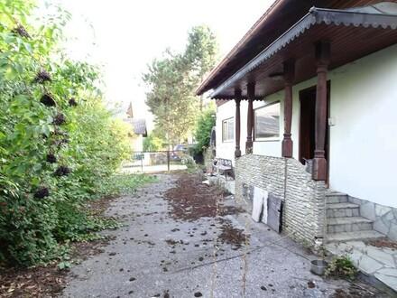 Bungalow zum Generalsanieren + Nebengebäude + 1005 m² Grund