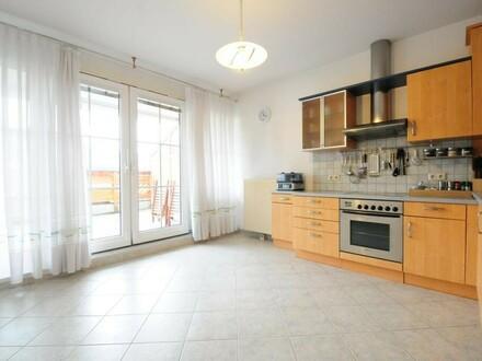 Ausbaufähige Wohnung + große Terrasse + Tiefgarage