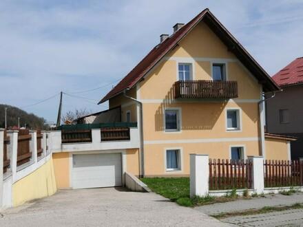Ein-, Zweifamilienhaus + Garage in Top-Lage!