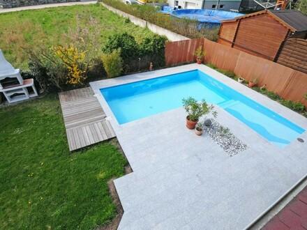 Freundliches, lichtdurchflutetes Einfamilienhaus mit Pool, Terrasse, gepflegtem Garten, Doppelgarage, ...
