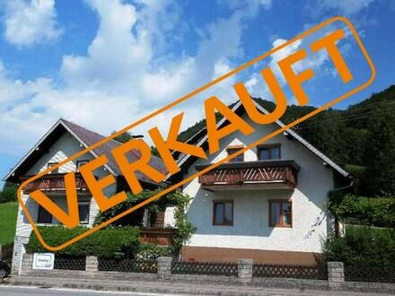 2 Häuser zum Preis von 1 mit Atterseeblick