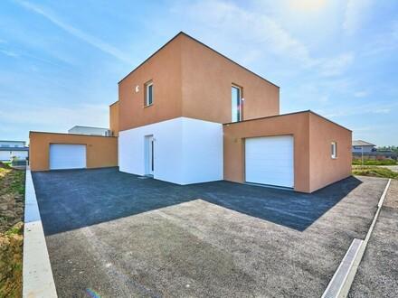 Traumhaftes Doppelhaus mit Garage