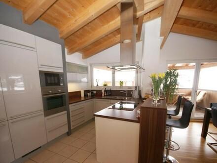 Luxuriöse und neuwertige Dachgeschosswohnung mit Traumblick zum Kitzsteinhorn!!