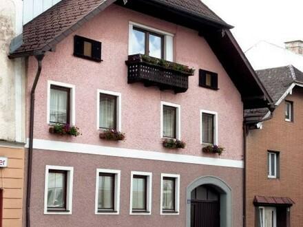 Schönes Stadthaus mit Garten und Schwimmteich
