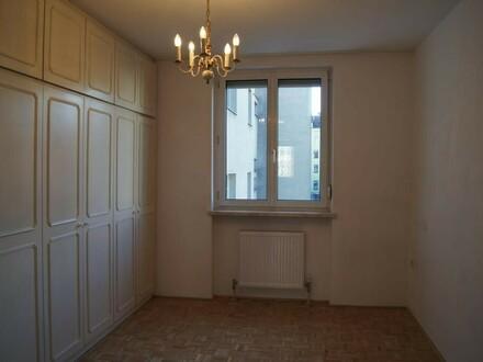 3 Zimmer-Wohnung nähe Stadtzentrum--ruhige Lage WG geeignet