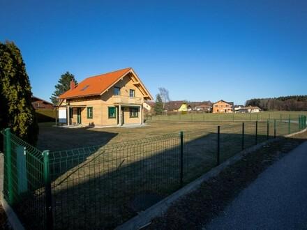 VERKAUFT! Naturliebhaber aufgepasst! Holzblockhaus auf 1200 qm Grund mit Doppelgarage