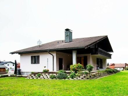 Schönes Einfamilienhaus auf großem Grundstück