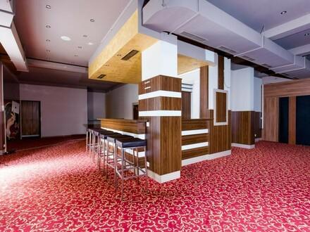 Der Raum für Ihre Geschäftsidee. Geschäftslokal mit viel Schaufensterfläche.
