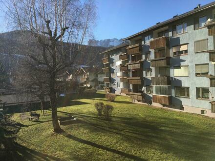 3-Zimmer Wohnung mit Balkon und Autoabstellplatz. Ideale WG-Wohnung
