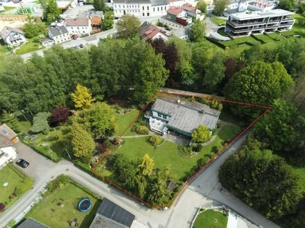 Ehemalige Unternehmervilla mit großem Garten im Zentrum von Ried im Innkreis