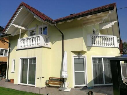 Einfamilienhaus im Wohnungseigentum mit 2 Balkonen und Garage