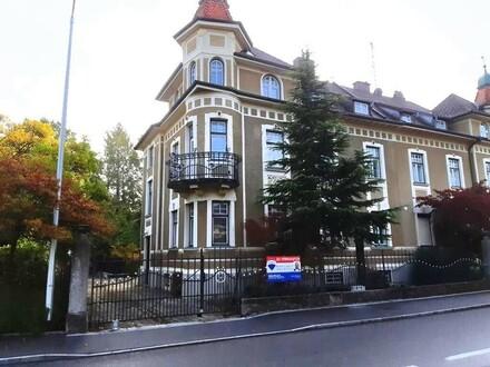 Großes Ein- oder Zweifamilienhaus im Braunauer Stadtzentrum