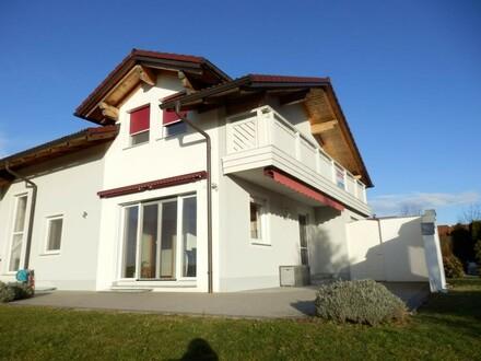 OPEN HOUSE am Samstag, den 17.11. um 12:00 Uhr - Haus mit Bergblick