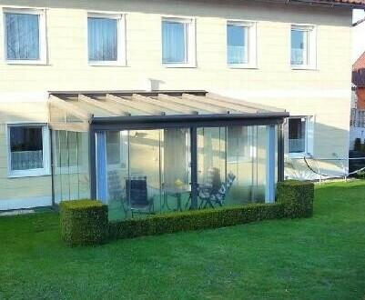 Sehr gepflegtes Wohnhaus mit Wintergarten