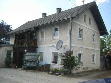 Wohnhaus mit Zubau in zentraler Lage