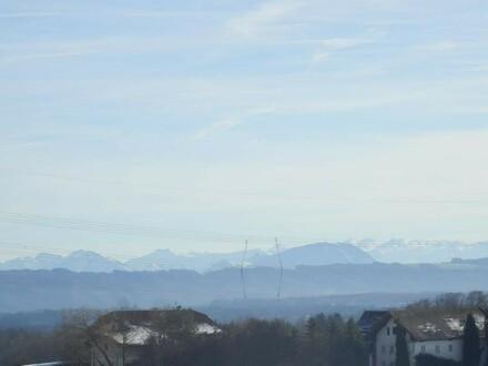 Schöner, sonniger Baugrund mit Blick ins Gebirge