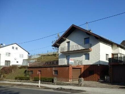 Einfamilienhaus mit großer Garage
