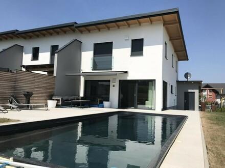 OPEN HOUSE am Freitag, den 21.9.2018, um 16:00 Uhr - Eckreihenhaus mit Pool im Wohnungseigentum