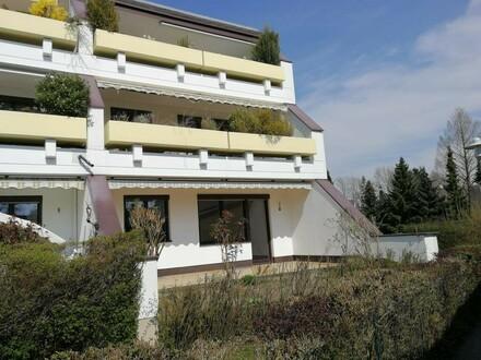 Schöne Erdgeschoßwohnung mit eigener Terrasse in zentraler, ruhiger Lage