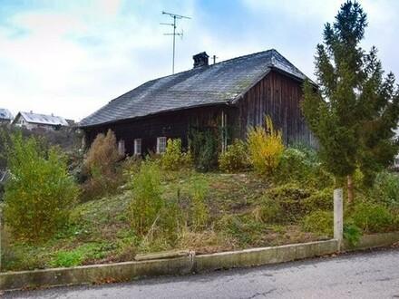 Bagger oder Bastler - Altes Haus auf sonnigem Baugrundstück in zentraler Hanglage in Ranshofen bei Braunau