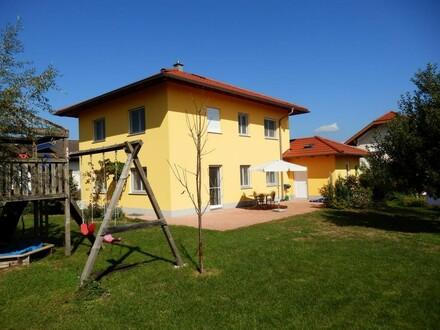 Geräumiges Haus mit Wohnqualität