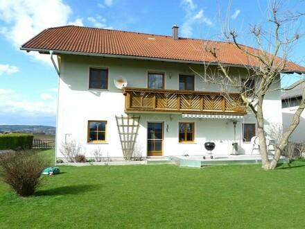 Sonnige Lage, großzügige Räume, Pelletsheizung, Fernsicht auf Braunau und Simbach