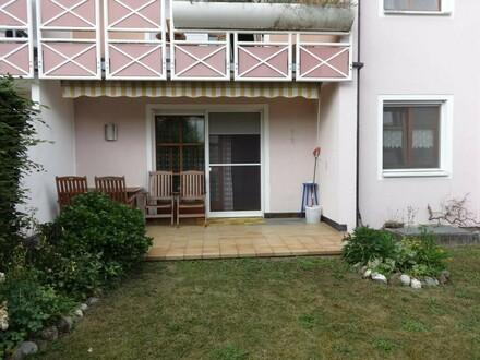 sehr gepflegte Erdgeschosswohnung mit Terrasse und angrenzendem Garten