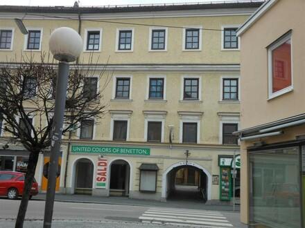 Geschäfts- oder Bürofläche