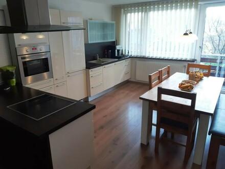 Schöne 4-Zimmer Wohnung mit Garten in bester Lage