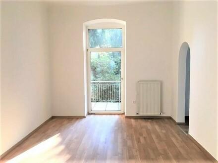 Linz/Stadt: Ca. 101m² Altbau-Wohnung mit Balkon direkt im Linzer Zentrum (3er-WG geeignet)