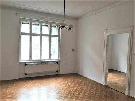 Linz/Stadt: Gemütliche Altbauwohnung mit ca. 75 m² Wfl mit BALKON im Stockhofviertel (AUCH für 2 Personen WG-TAUGLICH)
