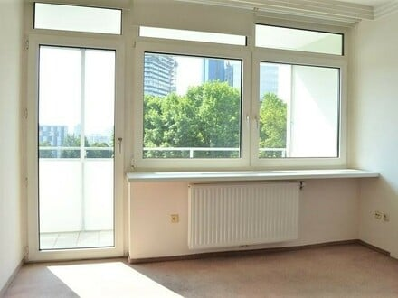 Linz/Urfahr: EIGENTUMSWOHNUNG ca. 69m², 3 Zimmer + 2x Loggia im Herzen von Urfahr