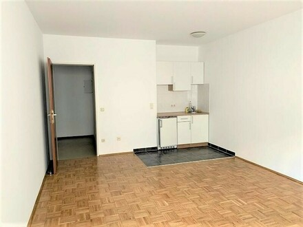 Linz/Urfahr: Garconniere mit ca. 30m² in Alt-Urfahr-West inkl. Tiefgaragenstapelparkplatz