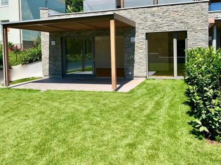 ERSTBEZUG: Gartenwohnung am ATTERSEE mit 60 m² Eigengarten - NUR € 3.250/m²