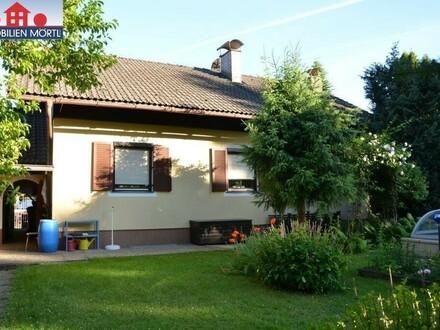 Gepflegtes Einfamilienhaus mit schönem Garten