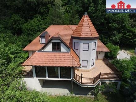 """""""IN KAUFABWICKLUNG"""" Herrlicher Blick über Gablitz - Villa mit Einliegerwohnung"""