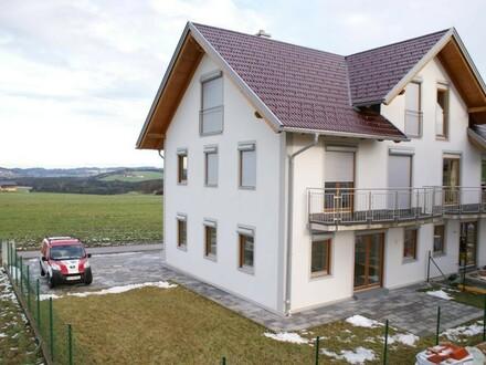 Elegante Doppelhaushälfte im Erstbezug