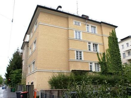 Wunderschöne 3.Zi.-DG Wohnung (ca. 86m²) in Top Lage