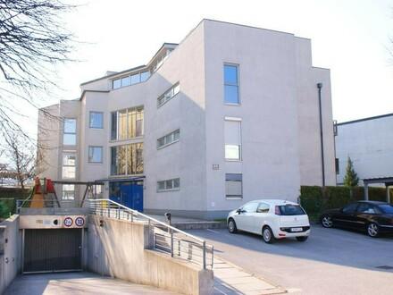 Helle 3.Zi.-Wohnung mit Balkon u. TG Abstellplatz