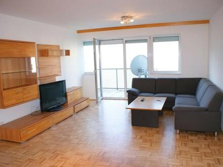 Großzügige 3.Zi.-Wohnung mit Balkon u. TG Abstellplatz
