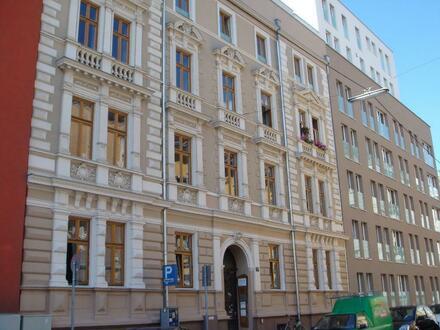 Perfekt & Preiswert | große City - Wohnung mit Balkon und Küche | WG tauglich