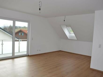 Helle 130 m² Dachgeschoßwohnung mit tollem Weitblick und Ruhe