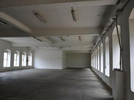 Betriebshalle für Werkstätte oder Produktion zu mieten