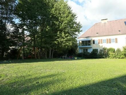 Helle, freundliche Eigentumswohnung mit großem Eigengarten
