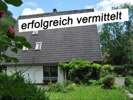Westansicht mit Garten, Terrasse